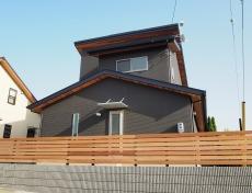 空間の広がりを感じる機能的な家